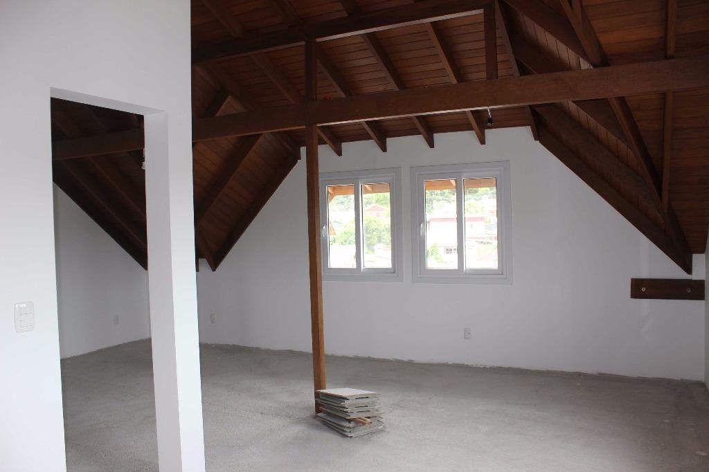 Casa de 2 dormitórios em Centro, Canela - RS