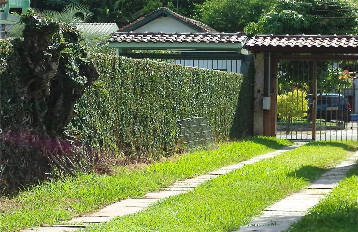 Casa à venda no bairro Rio Branco em Novo Hamburgo. de Imobiliária Grenal.'