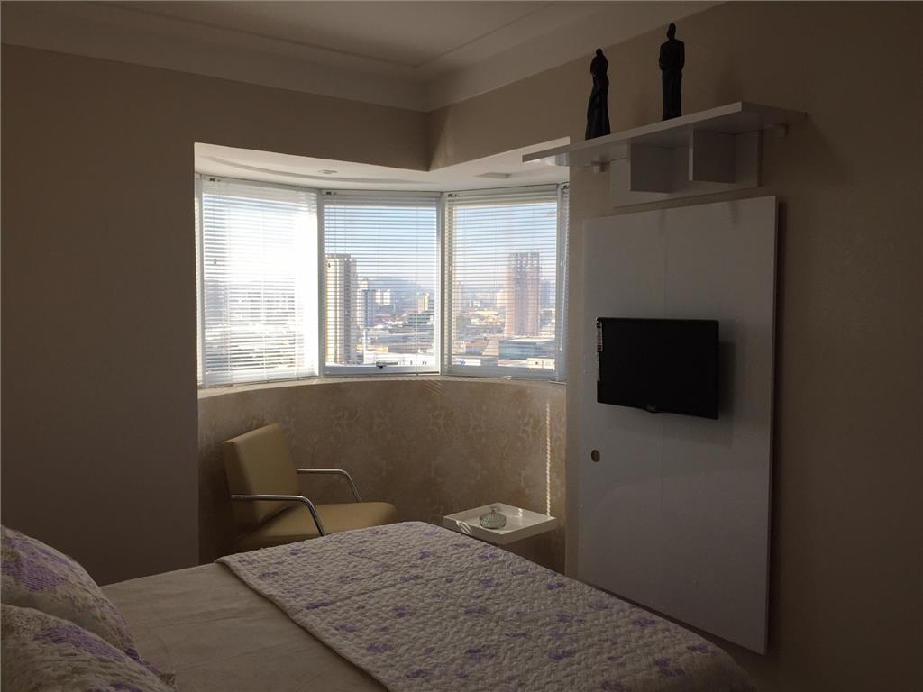2 dormitórios mobiliado com escritório e 2 vagas