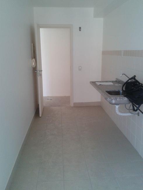 Excelente apartamento de 03 dormit�rios andar alto, com duas vagas de garagem individuais cobertas, vista privilegiada. (Clique para ver)