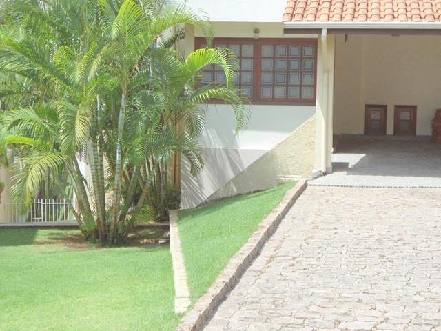 Casa com 4 dormitórios à venda, 420 m² por R$ 1.350.000 - Condomínio Estância Marambaia - Vinhedo/SP