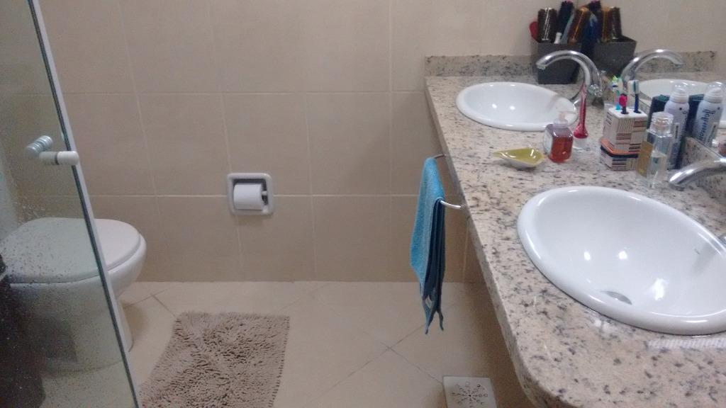 Sobrado de 3 dormitórios em Cidade Ademar, São Paulo - SP