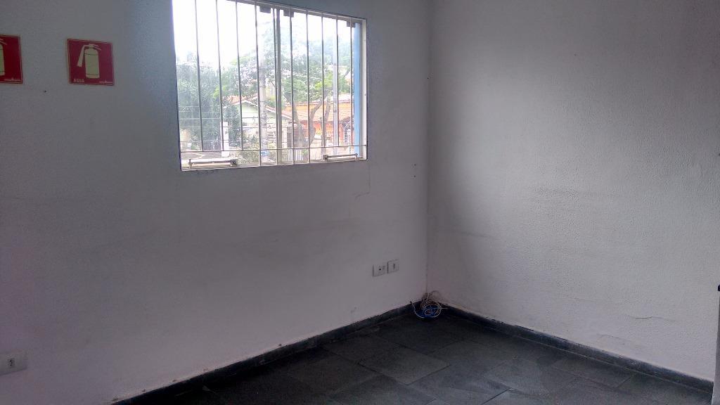 Prédio em Cidade Domitila, São Paulo - SP