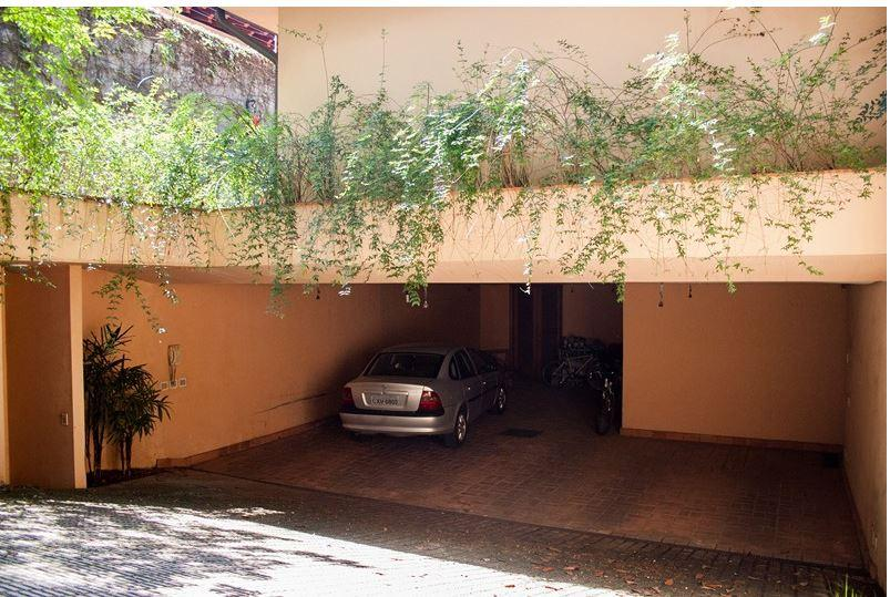 Casa de 4 dormitórios em Jardim Guedala, São Paulo - SP