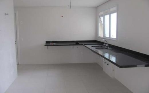 Apartamento de 3 dormitórios em Moema, São Paulo - SP