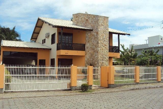 Casa no centro, 5 quartos, Sala, Cozinha, 5 vagas de garagem coberta