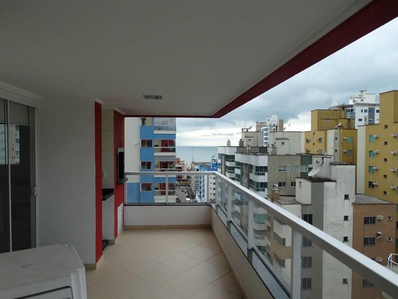 Cobertura Duplex com vista ao mar e deck com piscina.