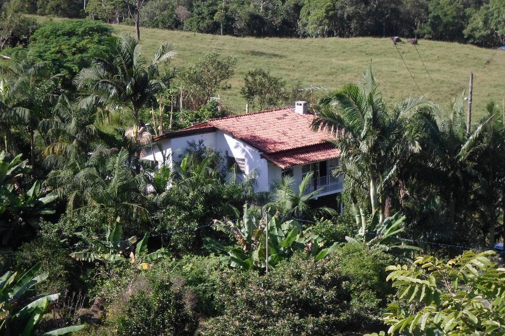 Sitio Sábia Preto com uma área de 33 hectares com Escritura e Certificado Orgânico a 800 metros da Cascata Encantada.