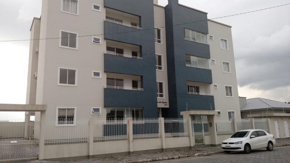 Apto 2 dormitórios, sala, cozinha, área de serviço, sacada com churrasqueira, 1 vaga, centro, Tijucas