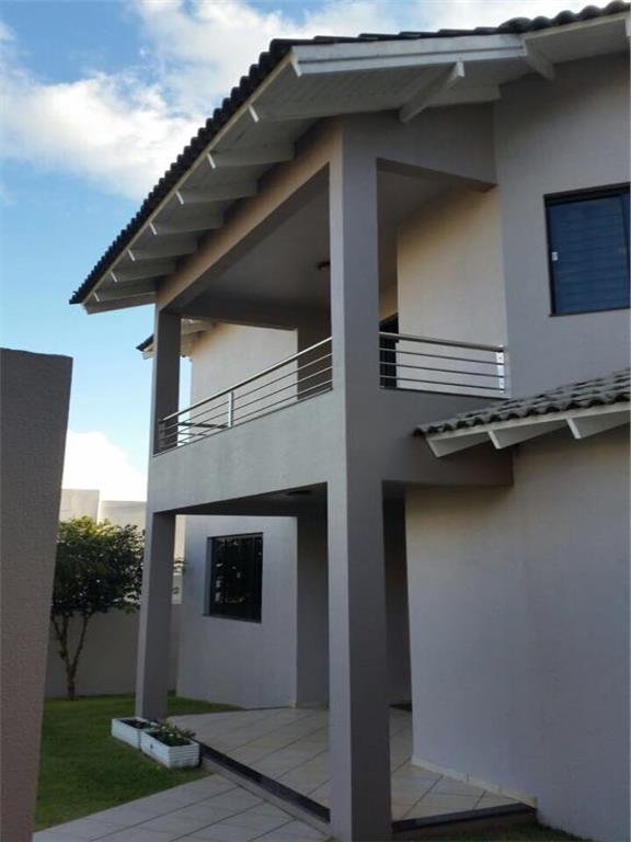 Casa 3 suítes + Dormitório empregada em Chapecó.