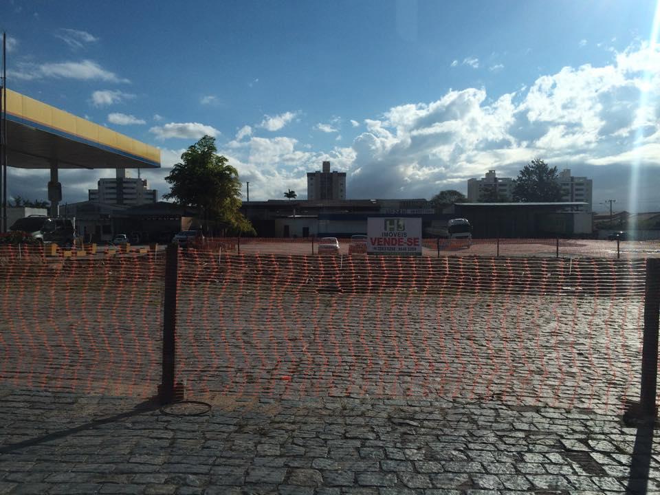 Terreno frente para BR101, ao lado do posto ipiranga em Tiju de H3 Imóveis .'