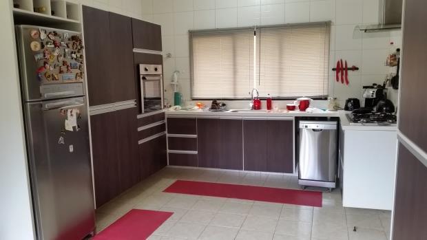 Casa de 4 dormitórios em Jordanésia, Cajamar - SP
