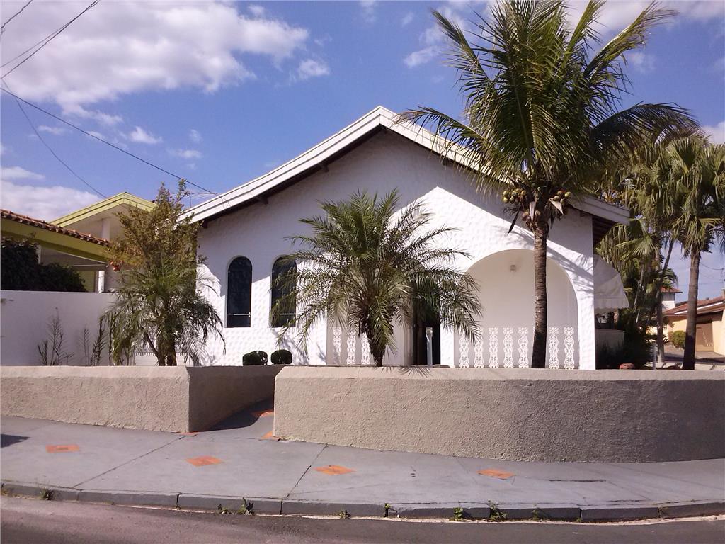 Locação Linda Residência  Condomínio Samambaia