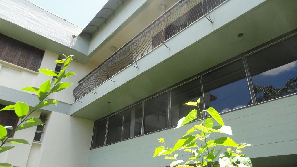 Casa de 6 dormitórios à venda em Boa Vista, Porto Alegre - RS