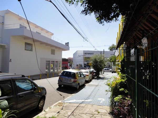Mais 14 foto(s) de CASA 2D - PORTO ALEGRE, Cavalhada