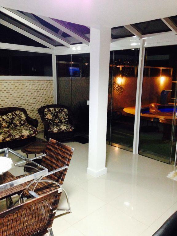Casa de 3 dormitórios em Lomba Do Pinheiro, Porto Alegre - RS