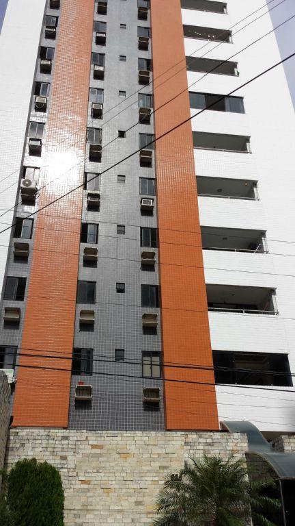 Apartamento residencial à venda, Manaíra, João Pessoa - AP2800.