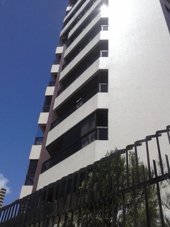 Apartamento residencial à venda, Manaíra, João Pessoa - AP2315.