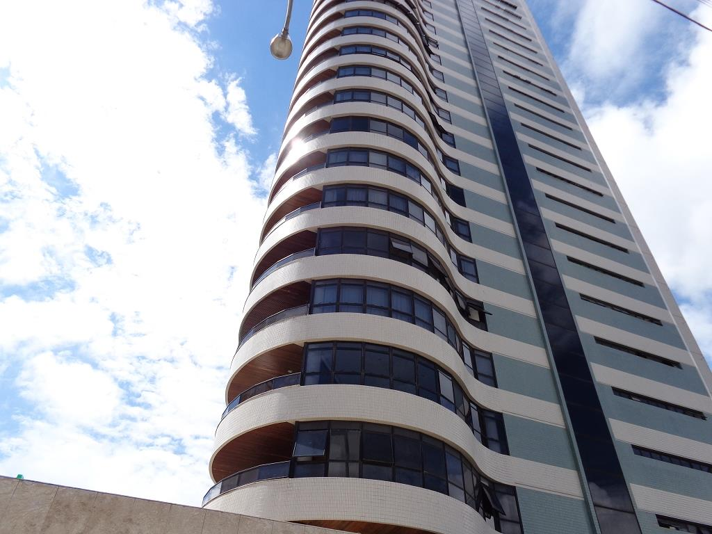 Apartamento residencial à venda, Manaíra, João Pessoa - AP2630.