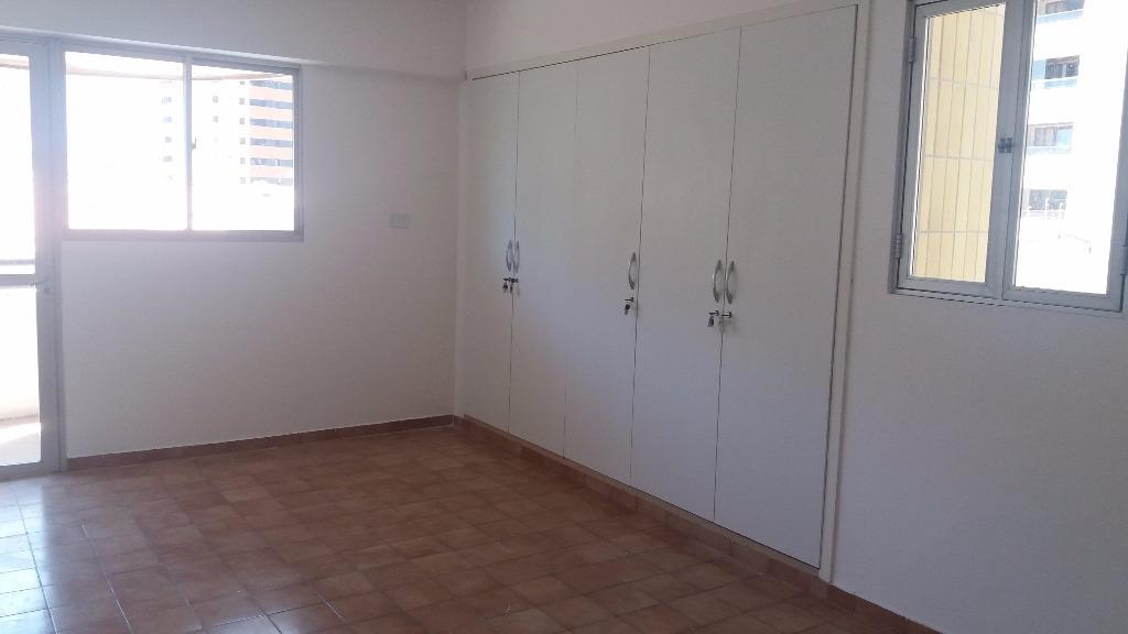 Apartamento residencial à venda, Cabo Branco, João Pessoa - AP4311.