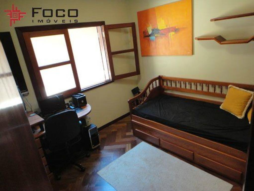 Casa de 4 dormitórios em Jardim Das Colinas, São José Dos Campos - SP