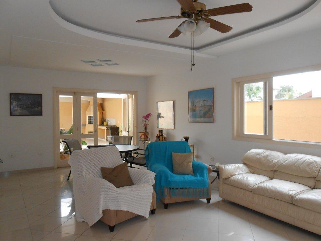 Casa de 4 dormitórios à venda em Jardim Das Colinas, São José Dos Campos - SP