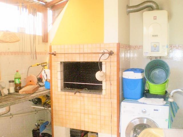 Sobrado de 4 dormitórios em Jardim Itu Sabará, Porto Alegre - RS