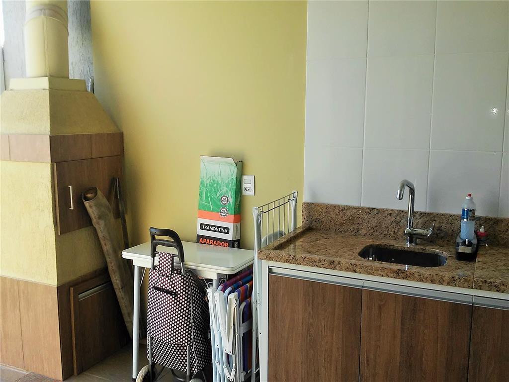 Sobrado de 3 dormitórios em Rio Branco, Canoas - RS
