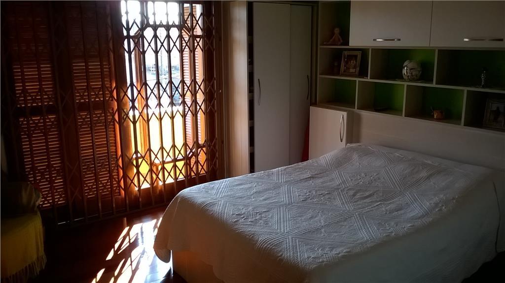 Casa de 3 dormitórios em Vila Jardim, Porto Alegre - RS