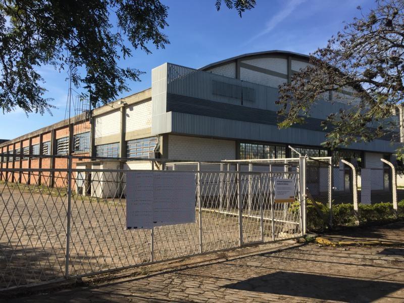 Pavilhão à venda em São João, Porto Alegre - RS