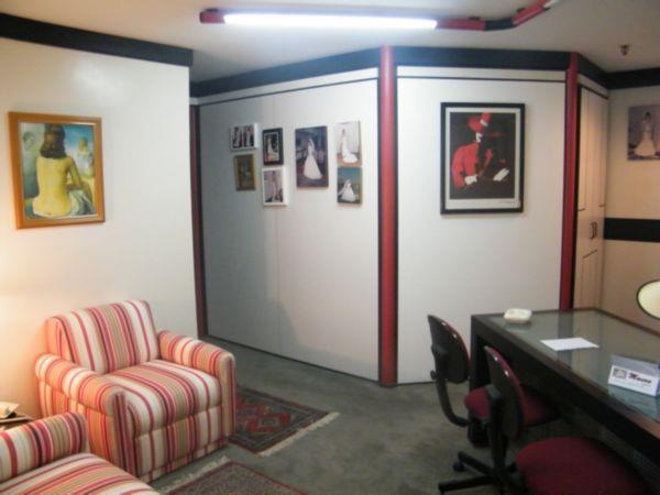 Sala à venda em São João, Porto Alegre - RS