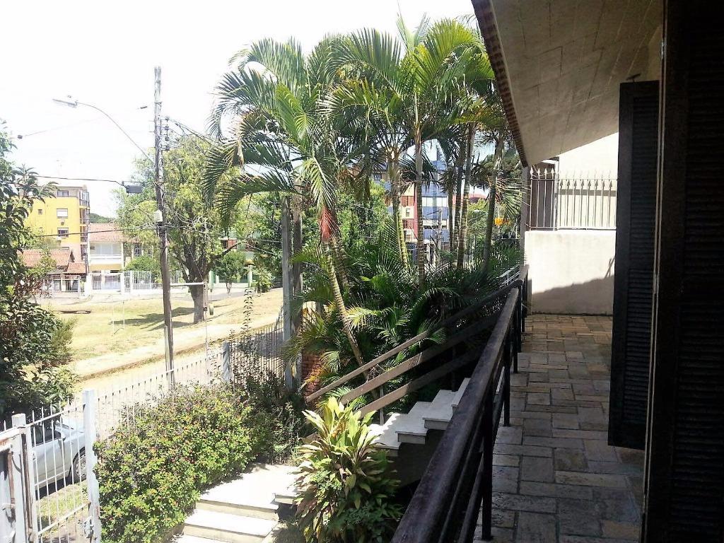 Casa de 4 dormitórios em Vila Ipiranga, Porto Alegre - RS