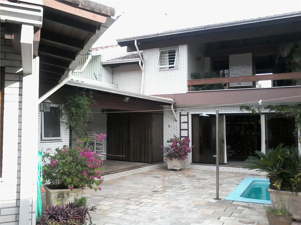 Casa de 3 dormitórios em Boa Vista, Porto Alegre - RS