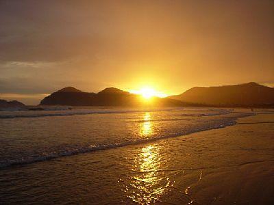 Casa pé na areia de alto padrão venda, praia da Baleia, São  de 4 House.'