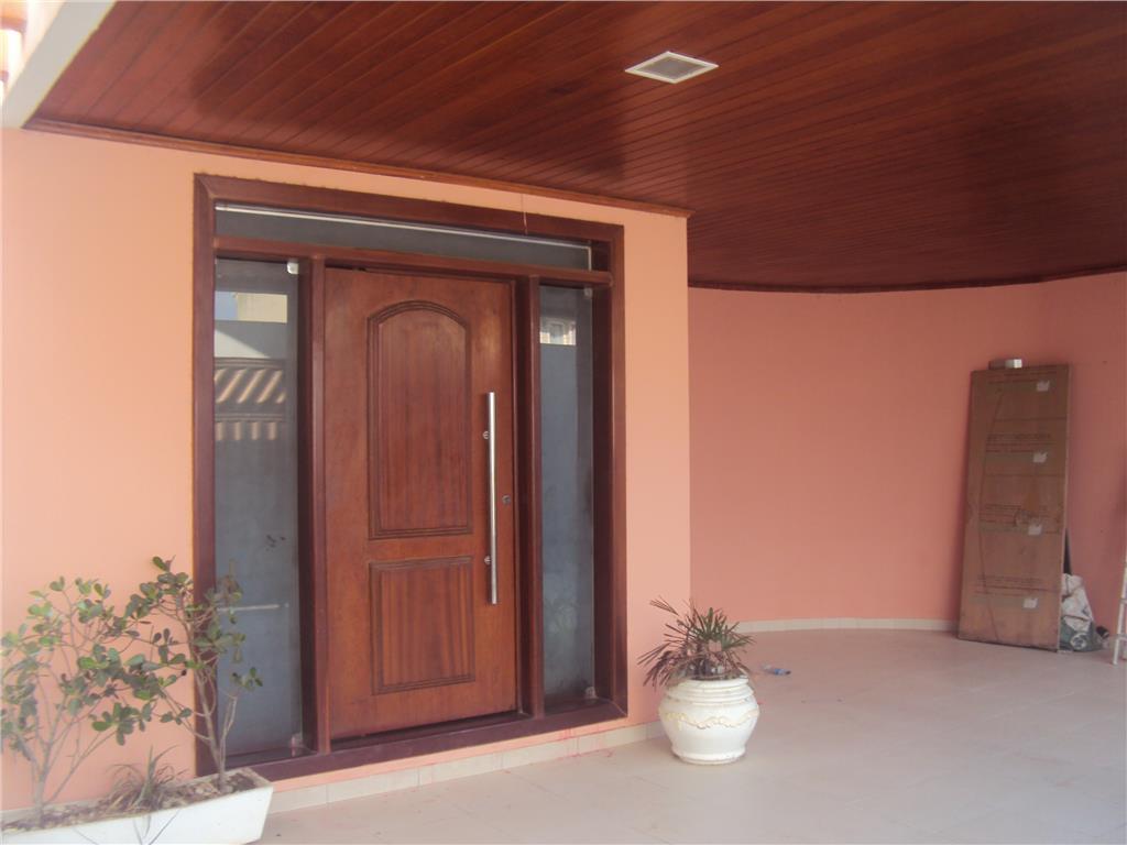 Casa  residencial à venda, Santa Mônica, Feira de Santana. de Buscar Assessoria Imobiliária.'