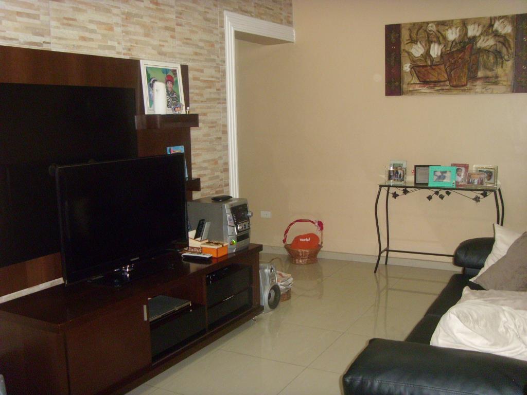 Casa à venda em Osasco, 3 Dormitórios, 2 Vagas, Churrasqueira, com excelente acabamento