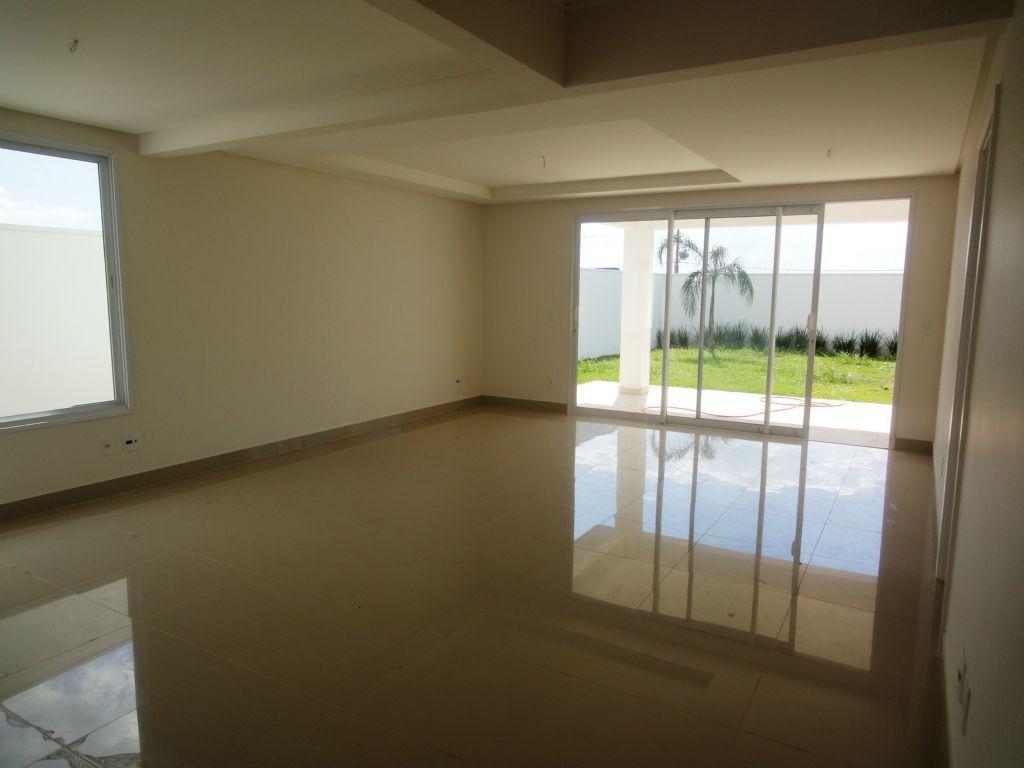 Casa 3 Dorm, Condomínio Terras do Cancioneiro, Paulinia (CA0902)