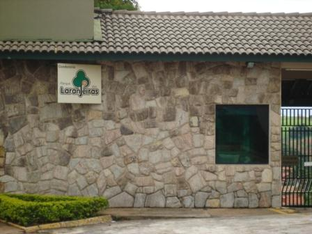 Casa residencial para locação, Parque das Laranjeiras, Itati de Aruana Imóveis.'