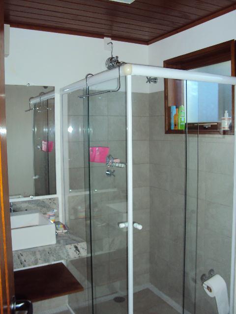 Casa de 4 dormitórios em Piúva, Ilhabela - SP