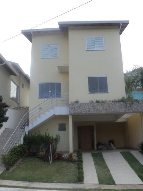 Sobrado  residencial à venda, Bairro Moinho Velho, Cotia. de Oliver Marques