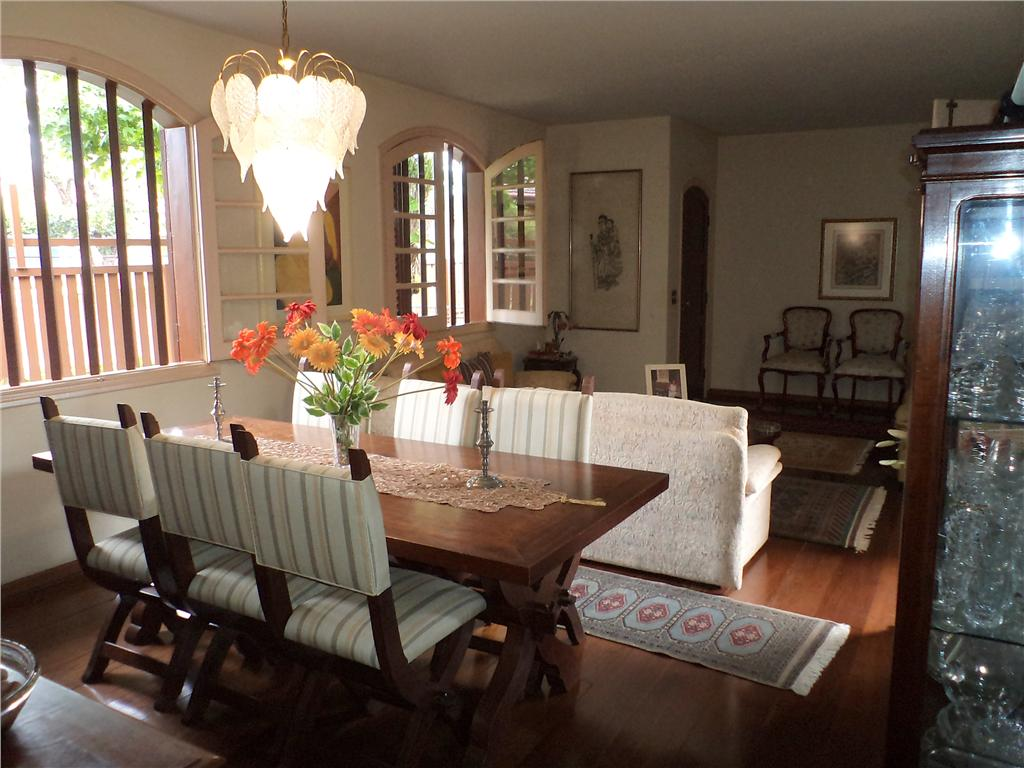 Imóvel: Amaral Imóveis - Casa 4 Dorm, Cidade Universitária