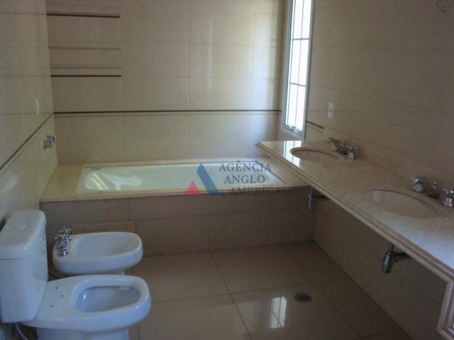 condomínio fechado, com segurança 24hcasas lindas, com amplo espaço interno e externolocalização valorizada, próximo dos melhores...
