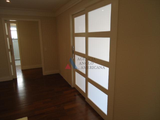 apartamento - locação - excelente unidade com 4 dormitórios, sendo 2 suítes, bela varanda com fechamento...