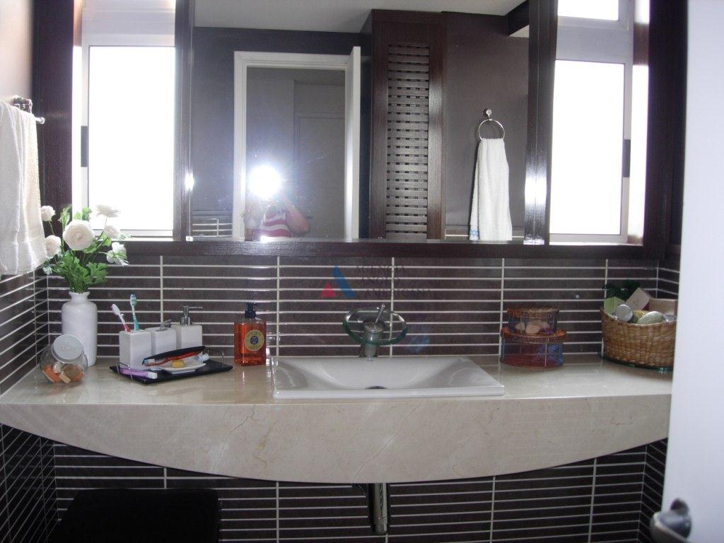 apartamento mobiliado e decorado com bom gosto.