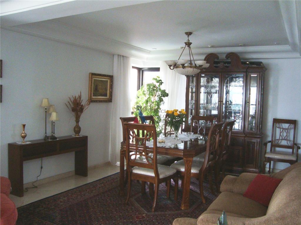 apartamento em excelente localização, próximo do parque ibirapueraapto padrão com 4 suítes, sendo uma com closet...