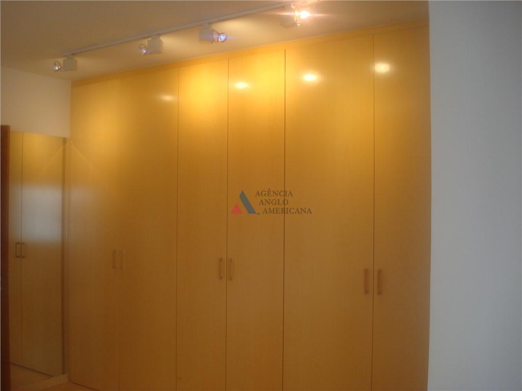 condominio de 23.000 m2, com rua particular e saida para a marginal. ampla área de lazer,...