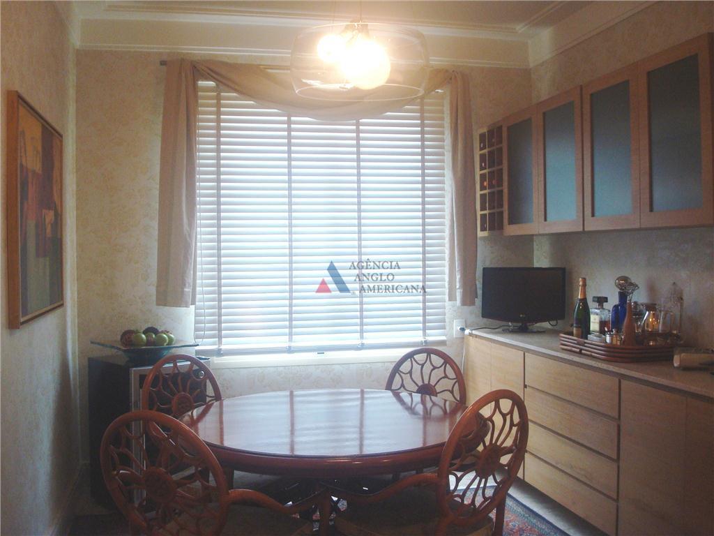 apartamento decorado! ar central! dentro do parque.ampla área social, com living, sala de lareira, sala de...