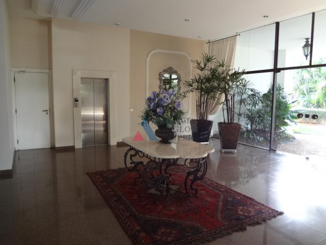 apartamento com ampla área social, vista livre, boa segurança e área de lazer completíssima, incluindo quadras...