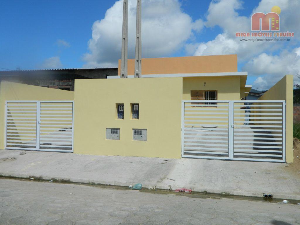 Casa à venda em Peruibe, no Jardim Ribamar.
