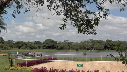 Quadra Poliesportiva próxima ao Restaurante e ao lago interno do  Patrimônio do Carmo, São Roque, SP.